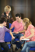 Öğrencilerin mesleki eğitim eğitmen grup — Stok fotoğraf