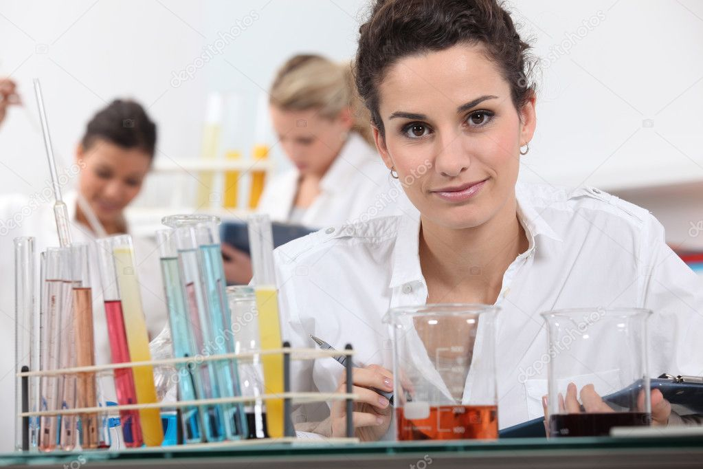 Women working in a laboratory — Stock Photo #7791663
