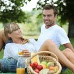 Couple enjoying picnic — Stock Photo #7802947