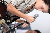 Singer preparing to sing — Stock Photo