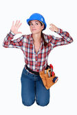 A female construction worker. — 图库照片