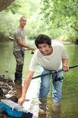 Vader en zoon vissen — Stockfoto