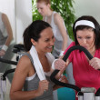 Women working out in a gym — Stock Photo