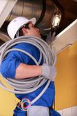电工布线工业阁楼空间 — 图库照片