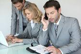 Empresario con teléfono móvil — Foto de Stock