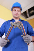 Plumber preparing copper pipe — Stok fotoğraf