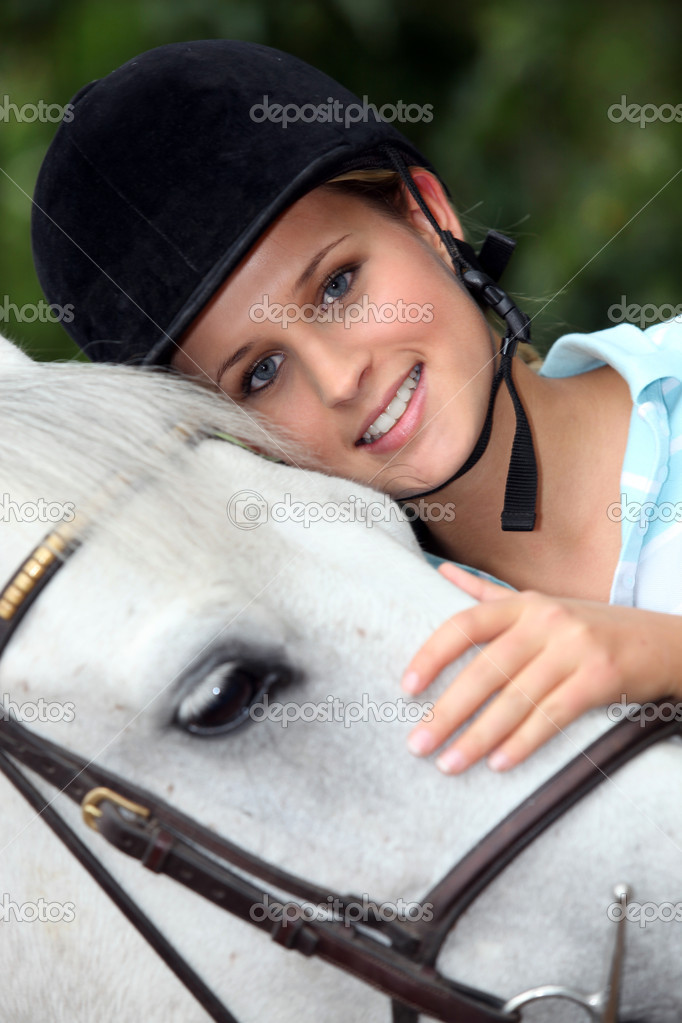 A portrait of a woman and her horse. — Stock Photo #7917492