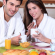 Couple eating breakfast — Stock Photo #7924641
