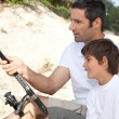 Father and little boy fishing trip — Stock Photo #7954905