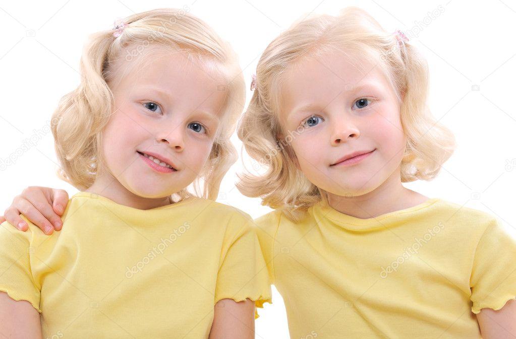 2 teen twin sisters fuck eachother 2