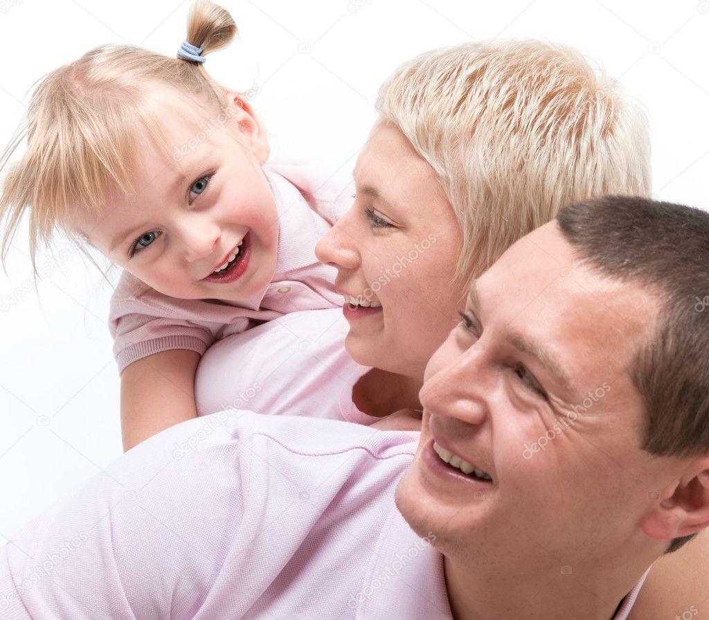 Межличностные отношения в семье родители-ребенок