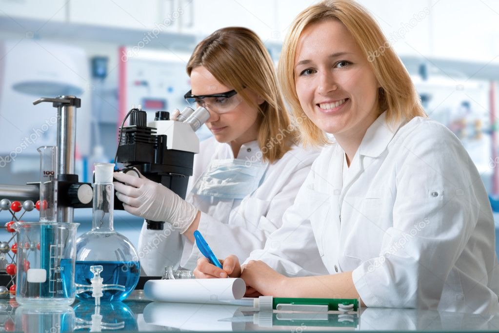 Group of the students working at the laboratory  — Stock Photo #6858816
