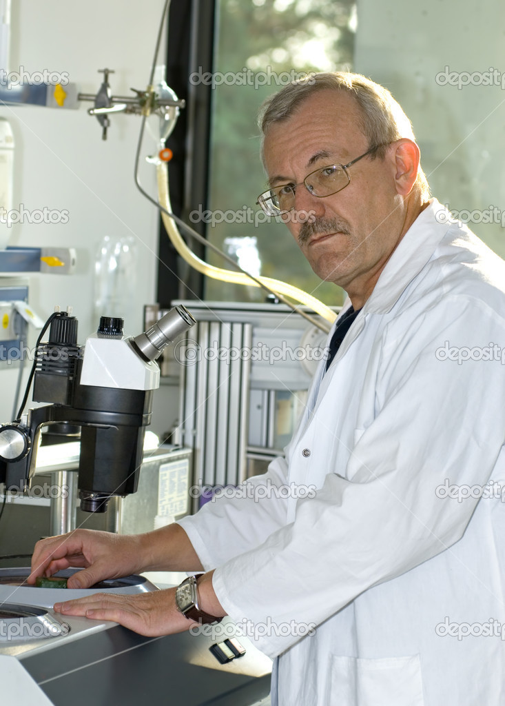 A technician at work in the laboratory  — Stock Photo #6859281