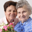Mother receives a bunch of flower — Stock Photo #6869359