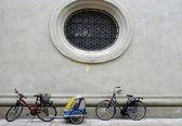 велосипеды в центре города #3, регенсбург — Стоковое фото