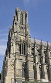 Tour de la cathédrale et à côté, reims — Photo