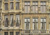 グランプラス、ブリュッセルで ornated ているファサード — ストック写真