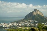 Rio de Janeiro's unique landscape mixing city, mountains, ocean — Stock Photo