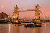 Pink Sky London Bridge — Stock Photo