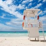 Beach life-saving hillock — Stock Photo