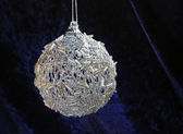 Silver christmas ball — Stockfoto