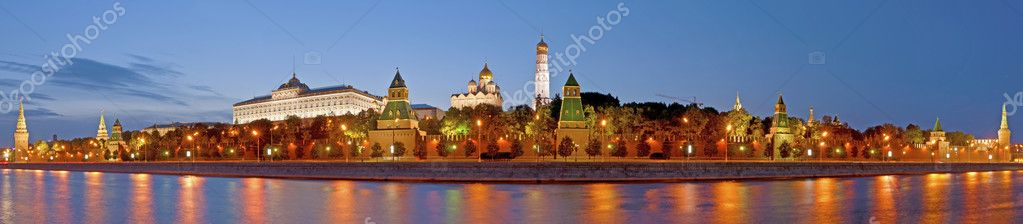 Kremlin in Moscow (Russia) at night  Stock Photo #6964098