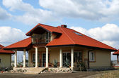 Dům s terasou — Stock fotografie