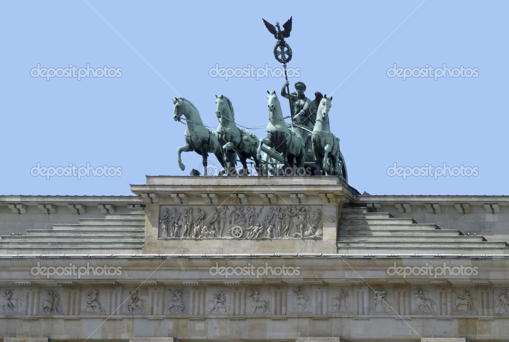The Quadriga sculpture upon Brandenburg Gate in Berlin (Germany) — Stock Photo #7116894
