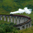 Glenfinnan Viaduct with steamtrain — Stock Photo