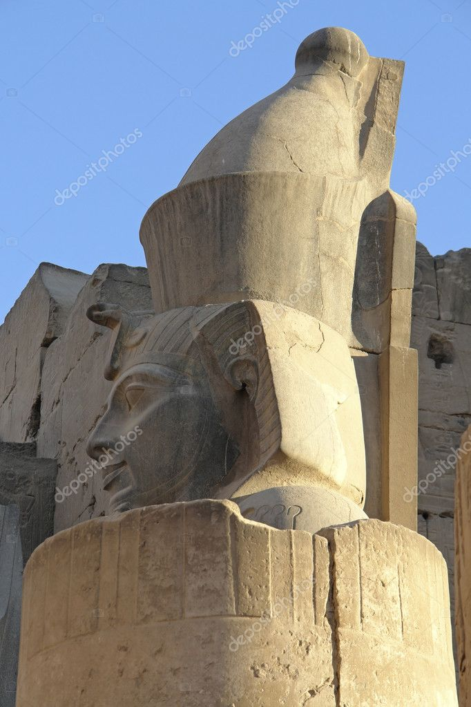 Architectural detail with statue at the ancient Luxor Temple in Egypt (Africa) — Stock Photo #7127654