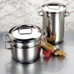 arreglo de ollas de acero inoxidable — Foto de Stock