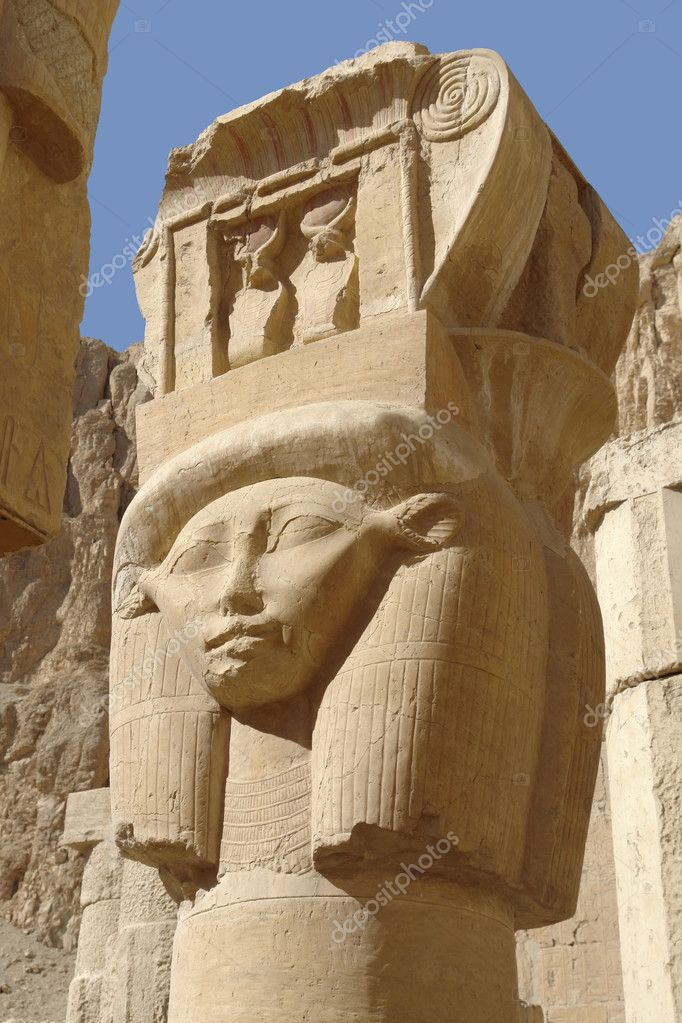 Ancient sculpture at the Mortuary Temple of Hatshepsut in Egypt — Stock Photo #7182634