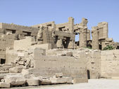 Sunny scenery around Precinct of Amun-Re — Stock Photo