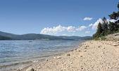 Sunny Schluchsee beach — Stock Photo