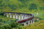 Glenfinnan Viaduct in green anbiance — Stock Photo