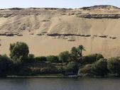 Sunny Nile coast near Aswan — Stock Photo