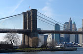 Brooklyn Bridge und New york — Stockfoto