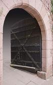 Open entrance at Haut-Koenigsbourg Castle — Stock Photo