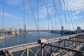 Manhattan Bridge and East River — Stock Photo