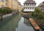 Canal and boats in Colmar — Stock Photo