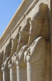 Figures at the Mortuary Temple of Hatshepsut in Egypt — Stock Photo
