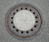 Kanalizasyon kapağı yuvarlak — Stok fotoğraf