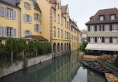 Canal and house facades in Colmar — Stock Photo