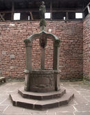 Historic well at Haut-Koenigsbourg Castle — 图库照片