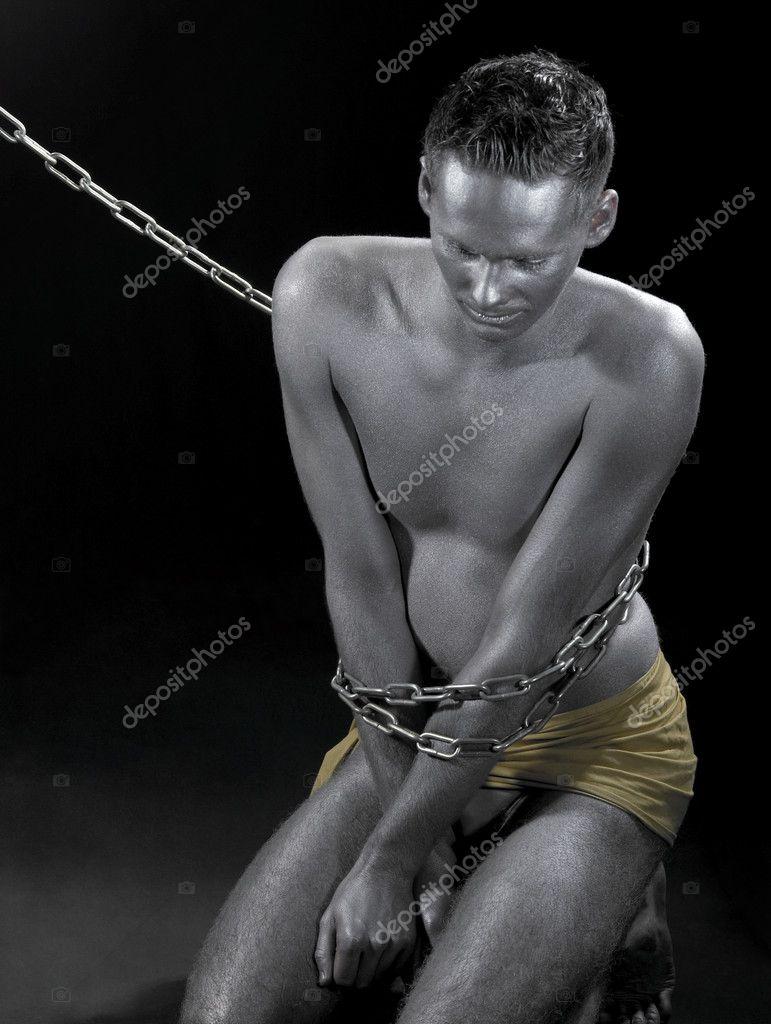 Пороть раба в закованного в колодки 1 фотография