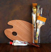 Brushes with the palette — Stock Photo