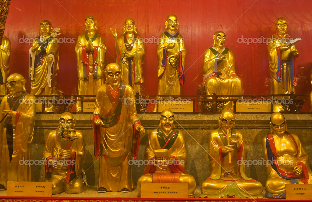 Buddha statuies in Baolin Temple in Shunde, Foshan,  Guangdong China — Stock Photo #6989666