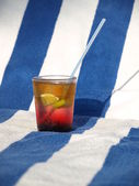 Drinks on a beach — Stock Photo