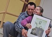 Down syndrome stock photos: love — Stock Photo