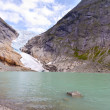 Mountain lake and glacier — Stockfoto